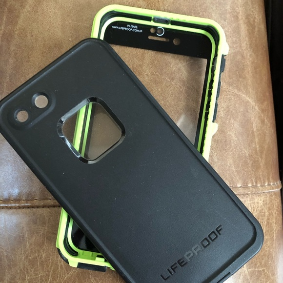 new concept 79e73 d5164 Lifeproof iPhone case fits 6,7, &8 lime/blk slim